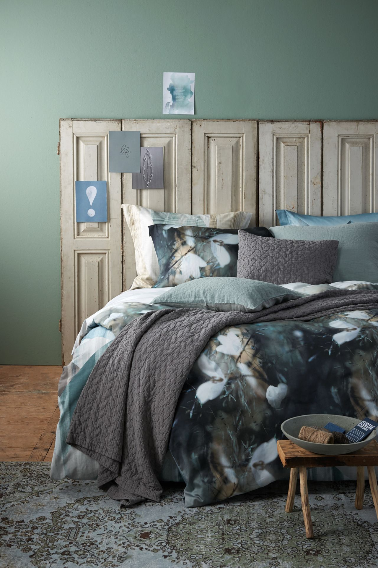 VanDyck bedtextiel Anonymous 000 Multi, Twisted 166 Vintage green, Briliant Wave 166 Vintage green, Purity 79 402 cel green, Pure 10 426 Steel grey bij Slaapkenner Lisse in Lisse
